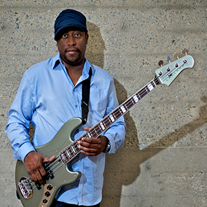 Darryl Jones plays Lakland